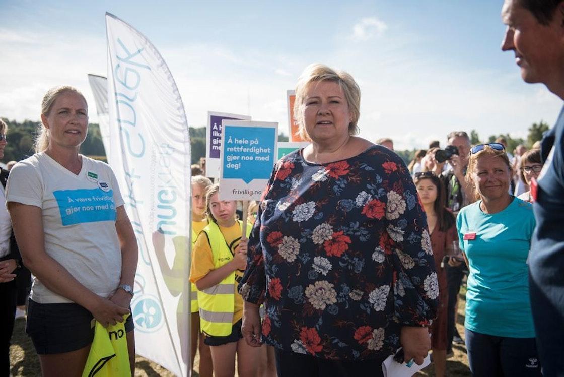 Statsminister Erna Solberg møter frivillige organisasjoner på Norway Cup.