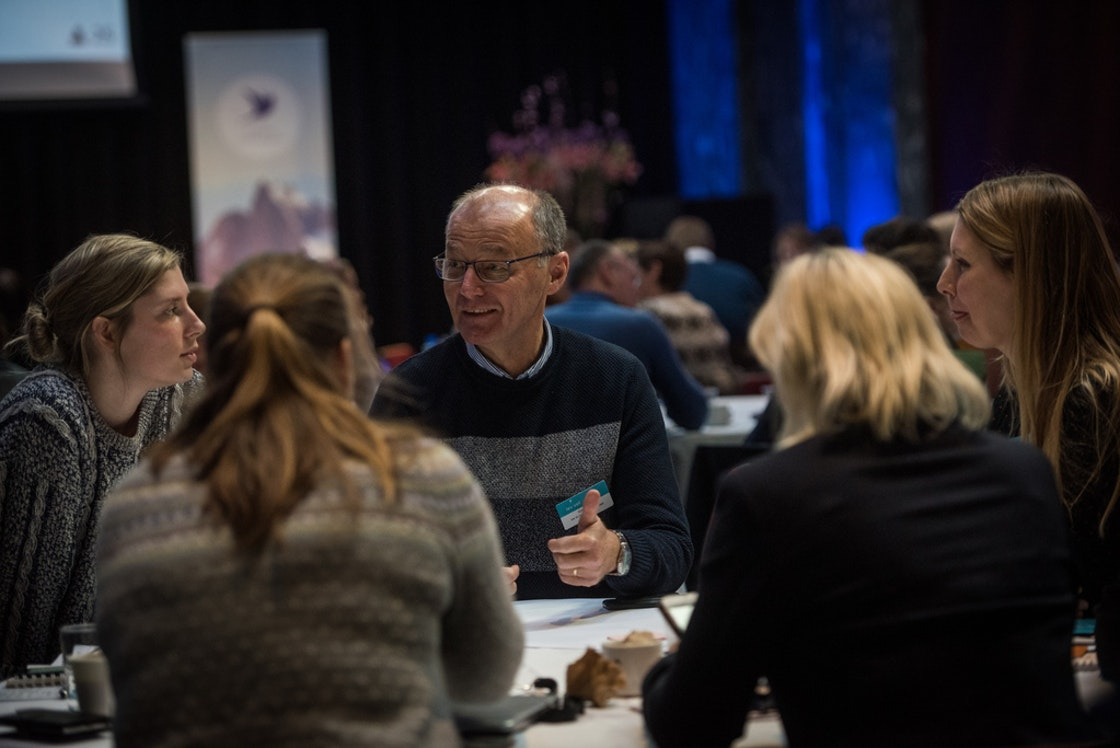 Deltakere som diskuterer fra Møteplass folkehelse 2019
